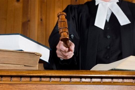 Lotto 6 aus 49 millionaire sues Bankers