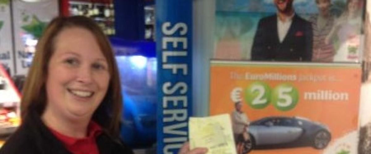 Irish supermarket syndicate celebrate EuroMillions win