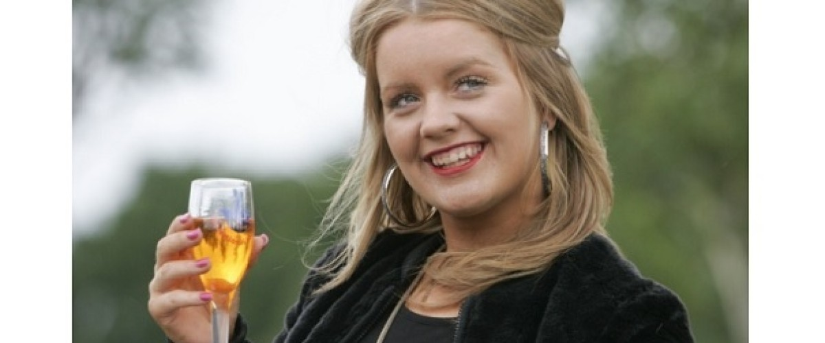 Teenage EuroMillions winner claims life has not changed her…