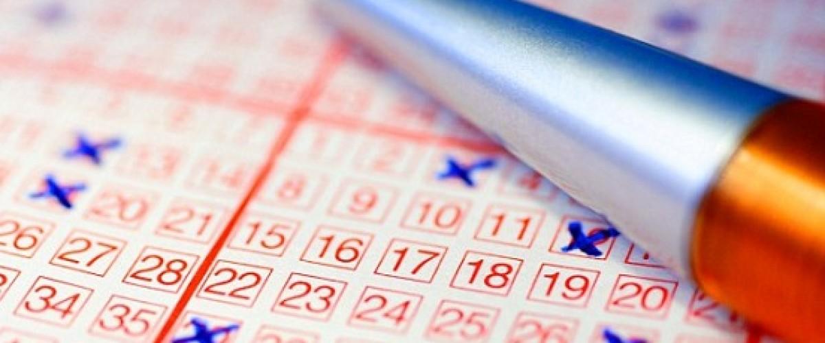 Woman carried winning Australian Lotto ticket in her handbag for 12 days
