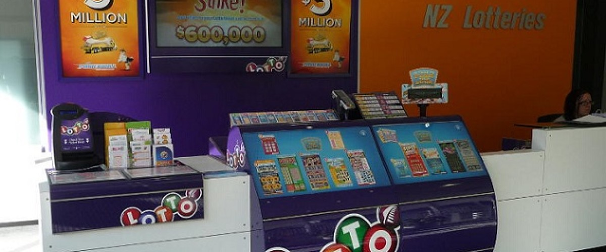 Lucky store sells two New Zealand Lotto winning tickets for the same draw
