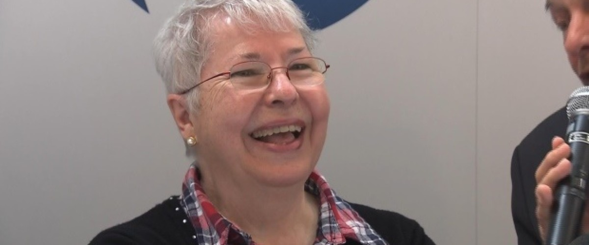 Supermarket stop for flowers leaves Québec woman a Lotto Max millionaire