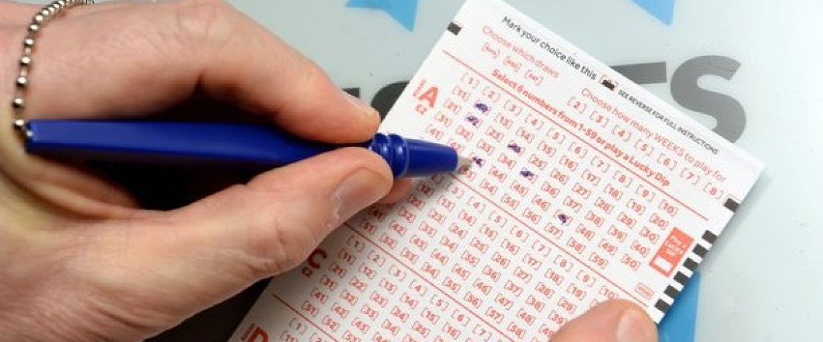 Search for loose change unveils €500,000 winning EuroMillions ticket