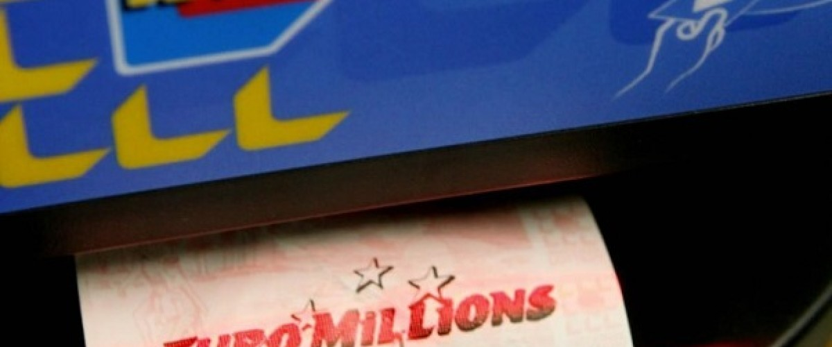 €369,210 EuroMillions winning syndicate hire special bus to claim win