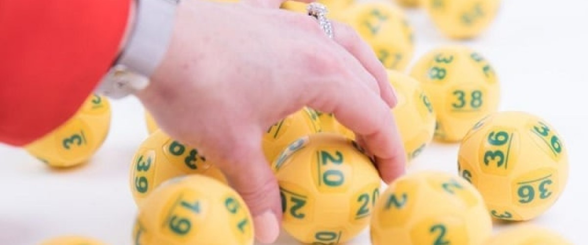 Two friends Win on the Oz Lotto