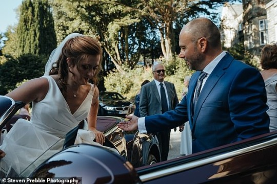 Bride Driven to Her Wedding by UK Lotto Millionaire