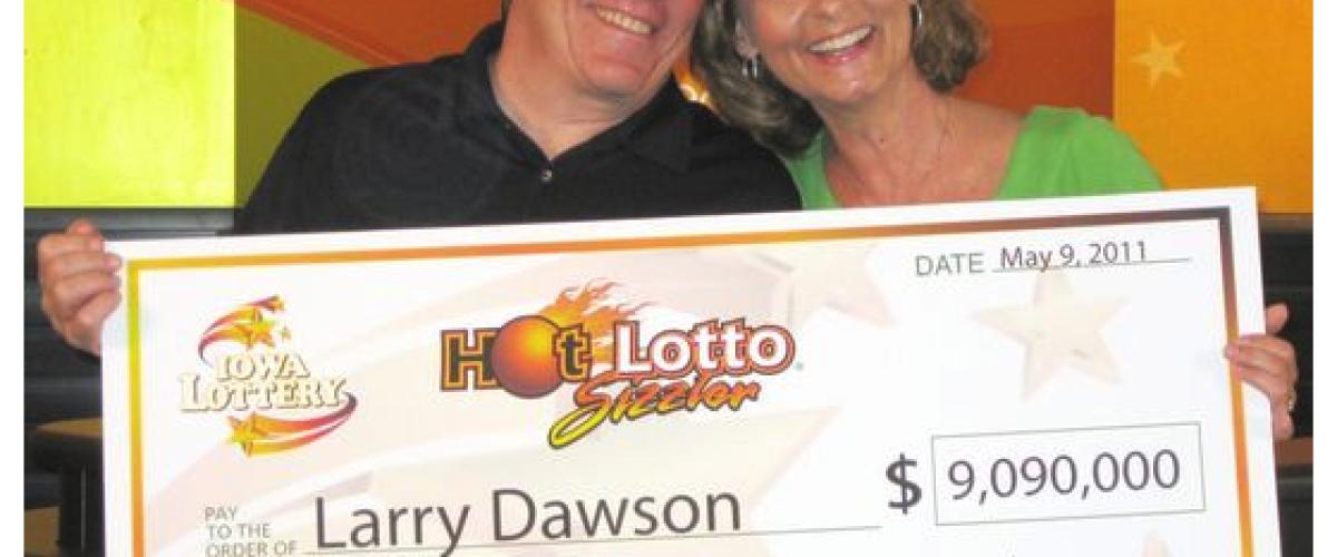 Iowa Lottery winner sues for a bigger prize