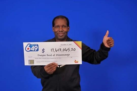 La Lotto 6/49 canadiense entrega un bote de 17.6 millones de dólares a un hombre de Mississauga
