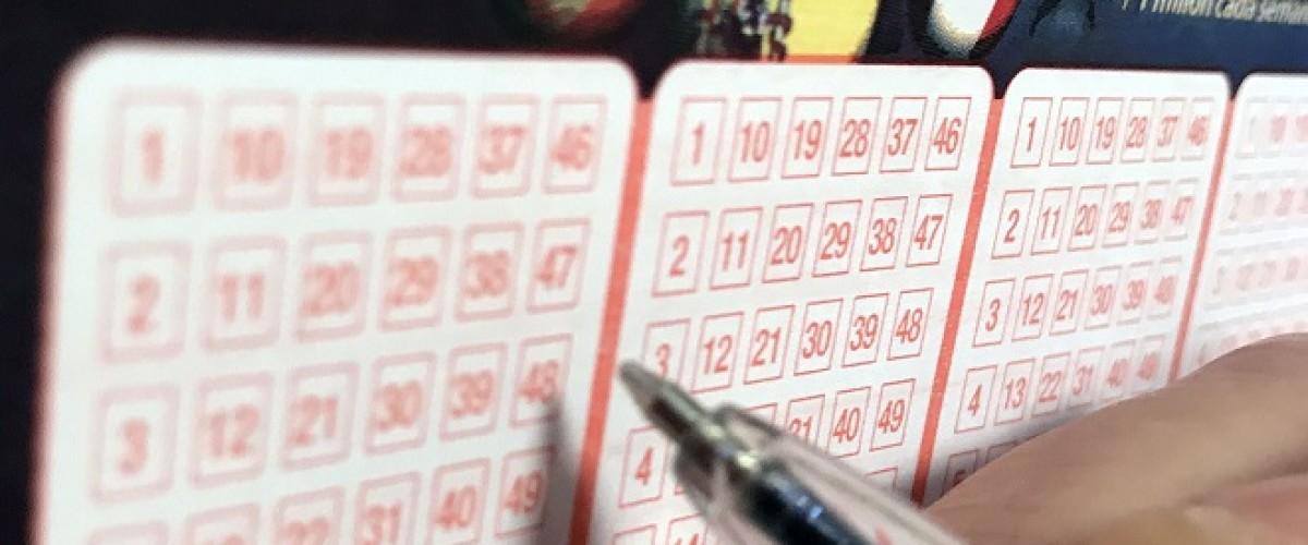 El Euromillones entrega tres premios de 201.011 euros