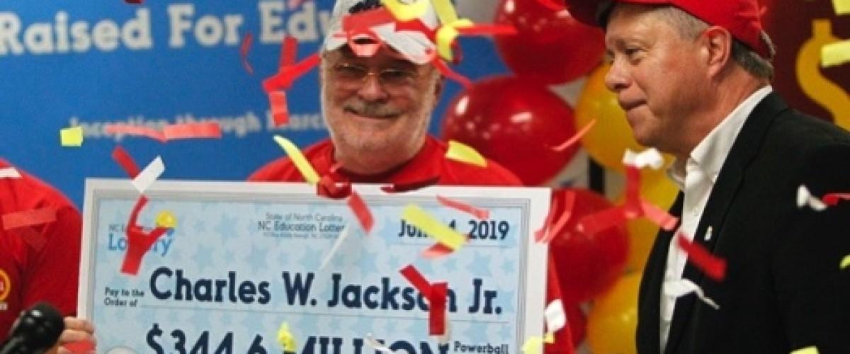 Un hombre de Carolina del Norte gana 344,6 millones de dólares en la Powerball gracias a una galleta de la fortuna