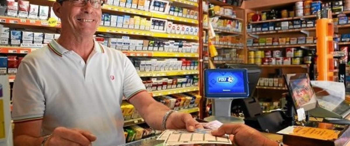 Ancien gagnant du Loto, il devient à son tour distributeur de Loterie