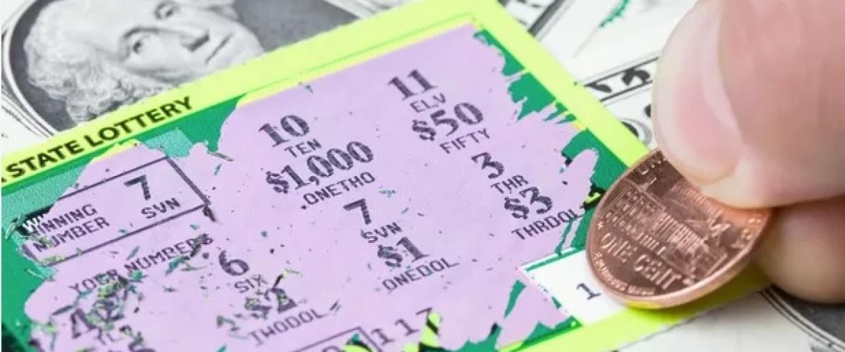 Il achète le «mauvais» ticket à gratter… Et gagne!