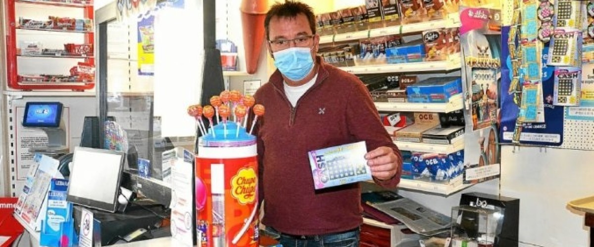 Distributeur de Loterie depuis trois semaines il vend un jackpot du Cash
