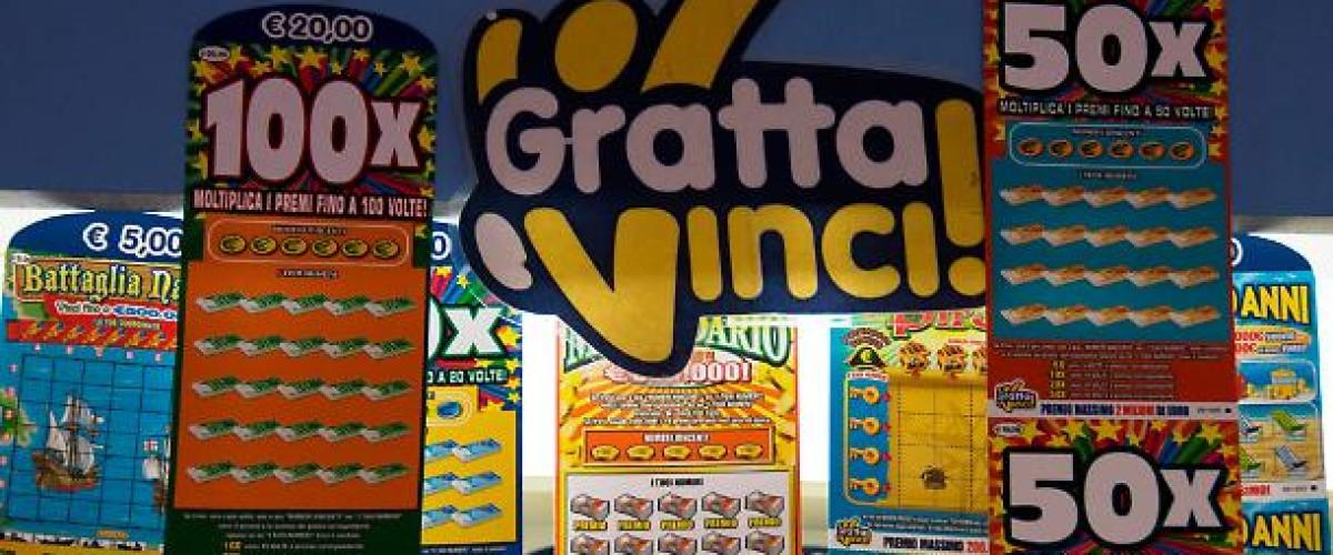 Di passaggio all'autogrill di Lavis (Trento) compra un gratta e vinci 100X e vince un milione