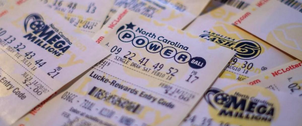Trova numeri nel biscotto della fortuna e vince 500 mila al Powerball